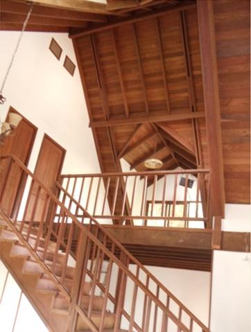 Casa de madera gradas casas dise o americano for Gradas de casas
