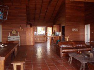 cabaña-de-madera-interior