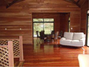 casa-de-madera-pasillo