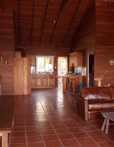 casa-de-madera-interior-sala