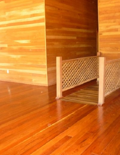 casa-de-madera-interior-piso